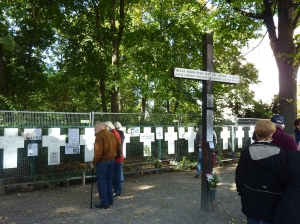 Memorial for people killed at the wall